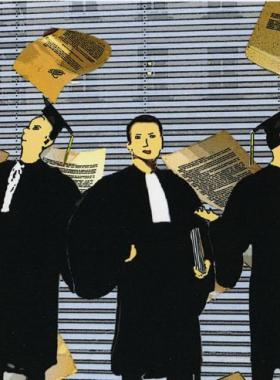 E l'avvocato ribaltò il bancone del giudice.