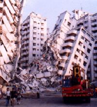 Trent'anni fa tremava la terra. E tu cosa stavi facendo?